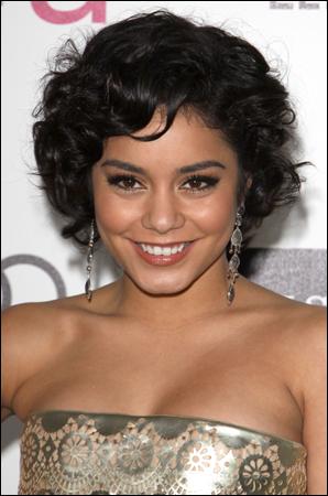 _ Vanessa à une after party des Oscars organisée par Elton John à Los Angeles le 26 février. _