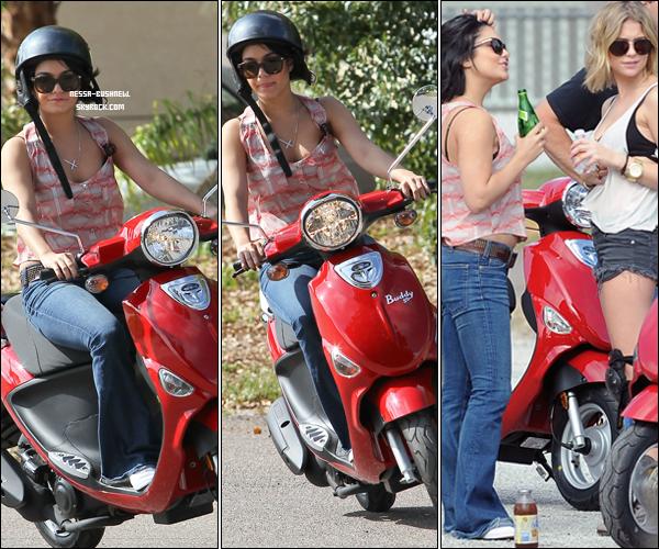 """_ Vanessa, Selena Gomez et Ashley Benson qui s'entraînent pour le tournage de leur film """"Spring Breakers"""" en Floride le 29 février et le 1er Mars. _"""