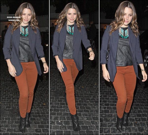 _ Sophia quittant le Chateau Marmont après y avoir passé la soirée le 1er mars à Hollywood. _