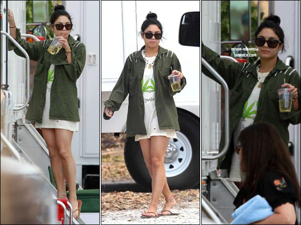 """_ Vanessa sur le tournage de """"Spring Breakers"""" à Sarasota en Floride le 7 et 8 mars. _"""