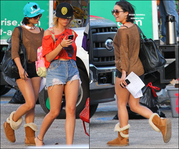 _ Vanessa et Ashley Benson qui se rendent sur le set de Spring Breakers en Floride le 27 mars. _