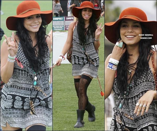 _ 13.04 : Vanessa au festival de Coachella à Indio avec Austin Butler et des amies dont Laura New. _