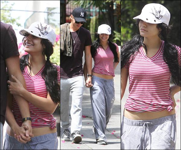 _ 10.04 : Vanessa et Austin quittant le Aroma Cafe et après avoir fait un jogging à Los Angeles. _