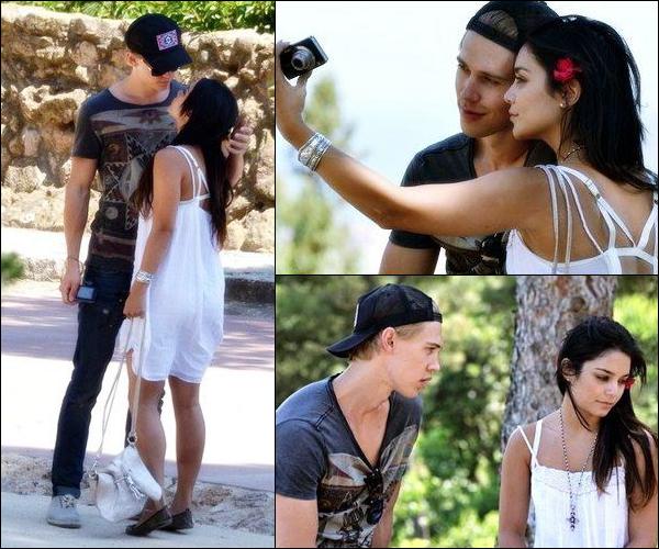 _ Photos de Vanessa et Austin en vacances à Barcelone cette semaine (date inconnue) ! _