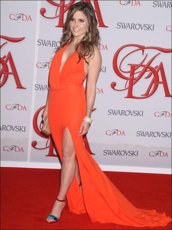 _ 04.06 : Sophia qui nous fait un magnifique top à la cérémonie des CFDA fashion awards à New York.  ♥ _
