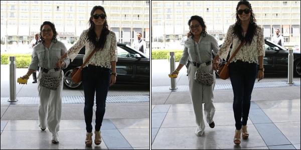 _ Vanessa et sa mère Gina se rendant à un rendez-vous d'affaires à Century City le 20 juin. TOP ! _