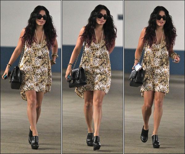 _ Vanessa quittant un rendez-vous professionnel à Los Angeles le 13 juillet ! TOP ? _