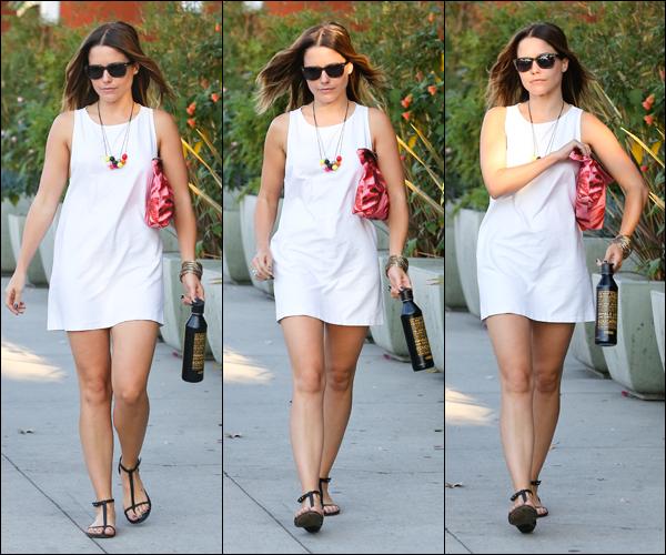 _ Sophia dans les rues de West Hollywood dans la journée du 16 septembre. ♥ _