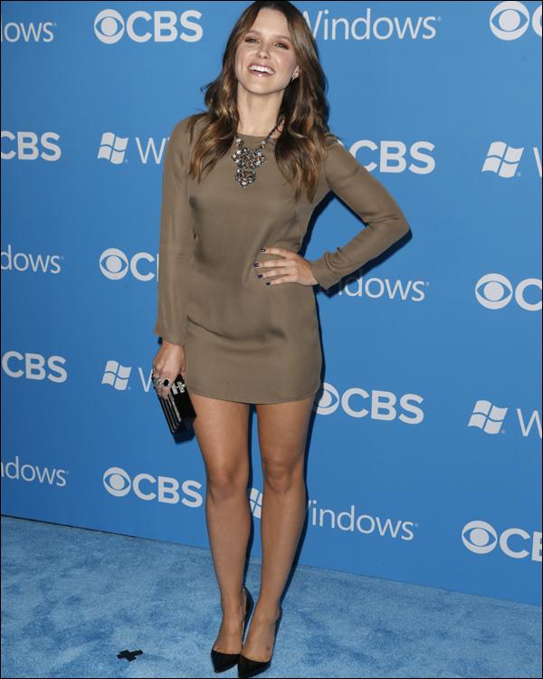 """_ 18.09 : Sophia et le cast de la série """"Partners"""" à un événement organisé par la chaîne CBS qui la diffusera. _"""