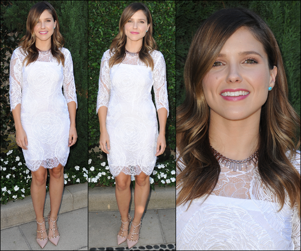_ Sophia au défilé de J.Mendel au profit de Benefitting Children's Institute avec Brittany Snow le 17 octobre. _