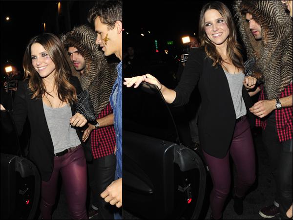 _ Sophia à une soirée d'Halloween organisée par le groupe Maroon 5 à Hollywood le 31 octobre. _
