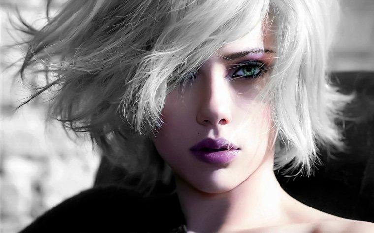 Nouvelle tendance les femmes aux cheveux blancs ! www.white-hair.com