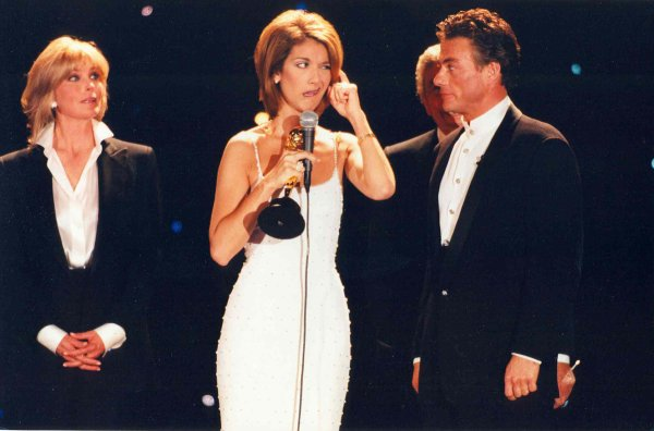 .  08/05/1996 : Céline était aux World music awards. ♥