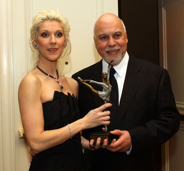 """.   24/01/2004 : Céline est élue """" Femme de l'année """" par le Nevada Ballet Theatre."""