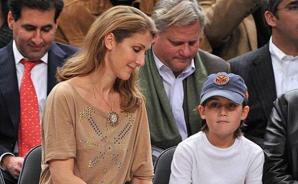.  29/11 et 07/12/2009 : Céline et sa famille étaient à un match de basket.