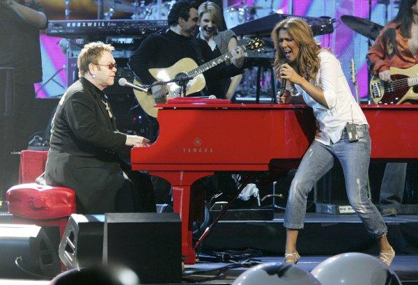 .  20/02/2006 : Céline participe à un concert-bénéfice à Las Vegas