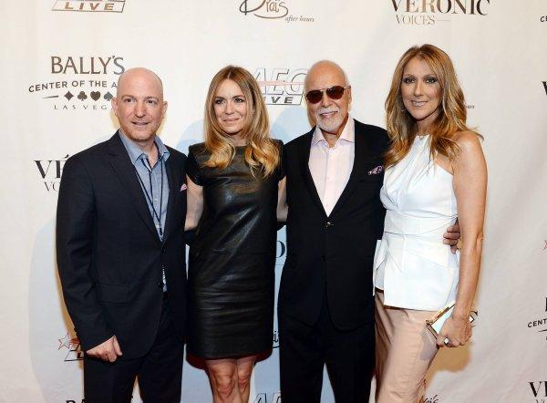 .  28/06/2013 : Céline était à la première du show de Véronic DiCaire à Las Vegas