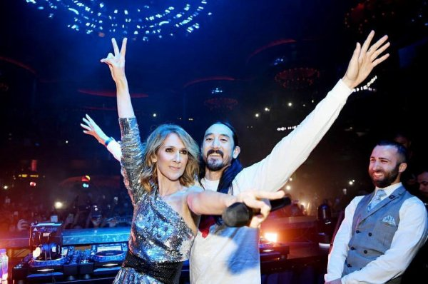 .  07/11/2017 : Céline a fait une apparition surprise à Omnia Nightclub au Caesars Palace  ♥