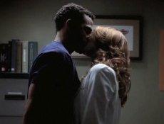 Grey's Anatomy, saison 9 : un nouvel ami pour April, Jackson jaloux ?