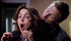 Grey's Anatomy, saison 9 : Owen tripote les seins de Jo, extrait (9x11)