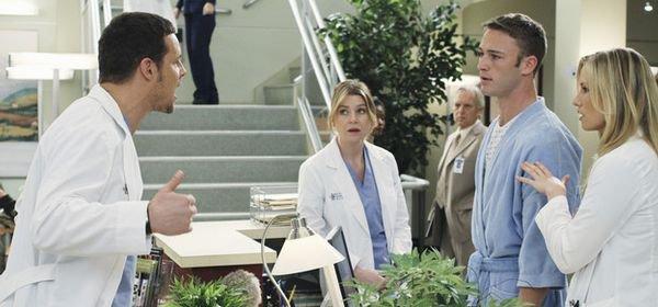 """Grey's Anatomy, saison 10 : le père d'Alex, un """"drogué qui va tout compliquer"""""""