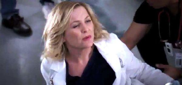 Grey's Anatomy, saison 10 : Arizona va se casser son autre jambe !