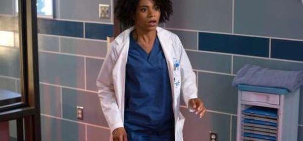 Grey's Anatomy, saison 10 : un des docteurs va flirter avec cette petite nouvelle, mais qui ?