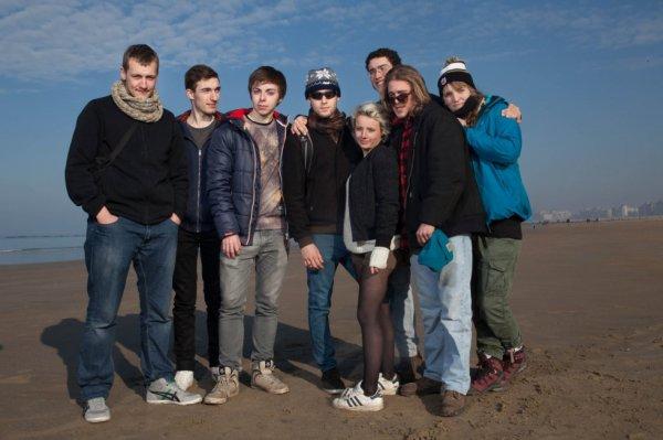 En mode photo de famille! (moi avec la grosse veste bleu à gauche)