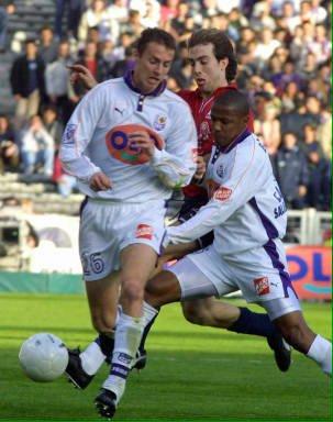 Photo de Jau et bonilla durant le match TFC lille du 17/03/2001