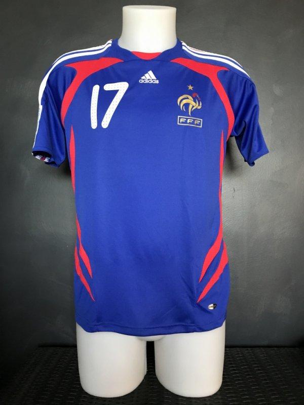 Maillot porté par Kelly Perdrizet lors de la coupe du monde des U17 en 2008 en Nouvelle-Zelande.