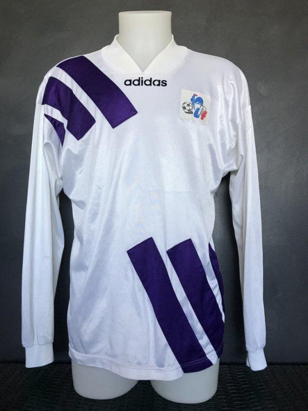 Maillot porté lors de la saison 1994/1995 en Coupe de la ligue.