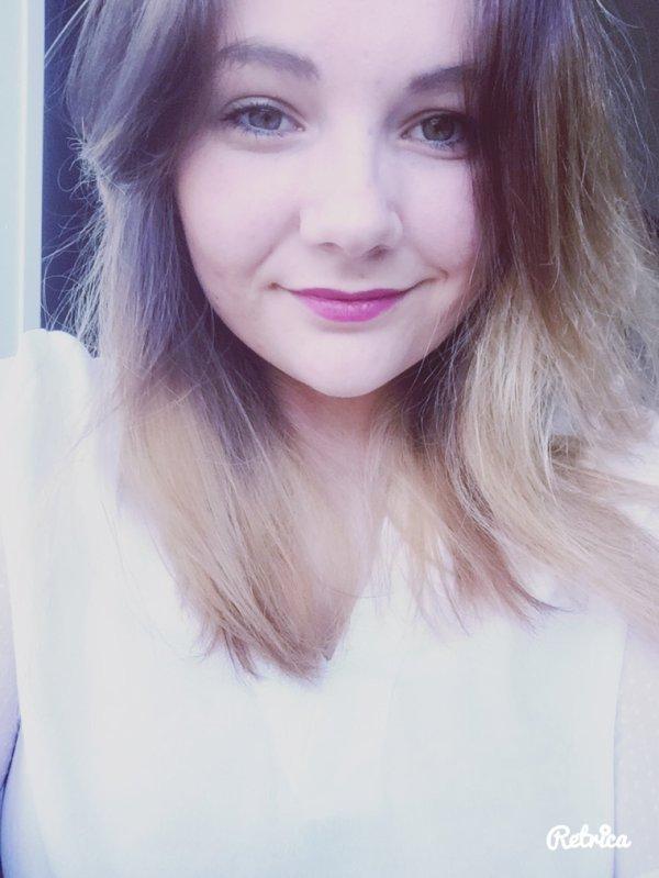 Clémence, 19 arcs-en-ciel, étudiante en Prépa auxiliaire de puériculture !
