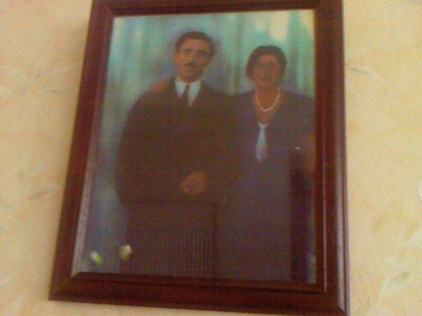 les parent de ma maman je n ai connue que ma grand mère pas mon grand père disparu avant ma  naissance