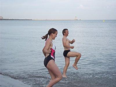 La nouvelle danse de l'été 2011 quand on se fait mordre par des crabes hihihihi