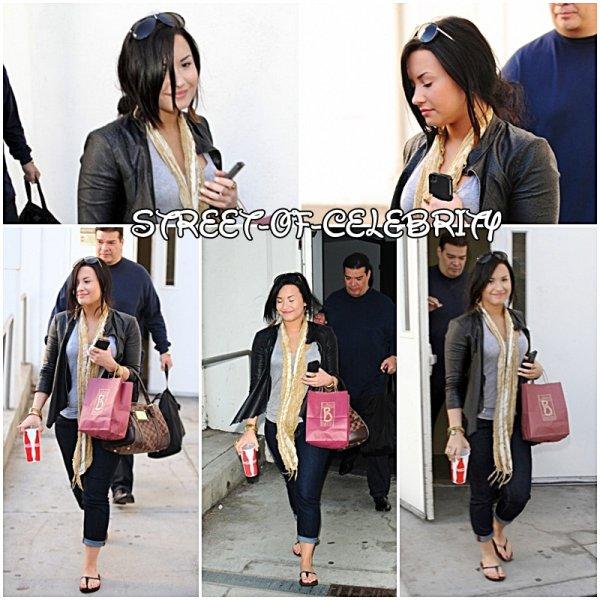 28.04.2011 : Demi à l'aéroport de LAX.
