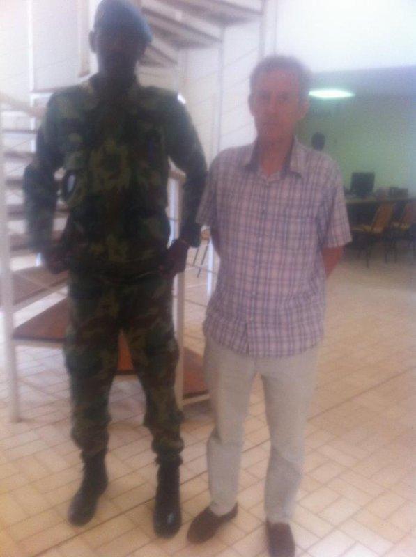 le president de l'anh a rencontre le directeur du centre culturel francais de niamey