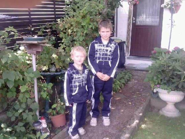 mes deux petit frère