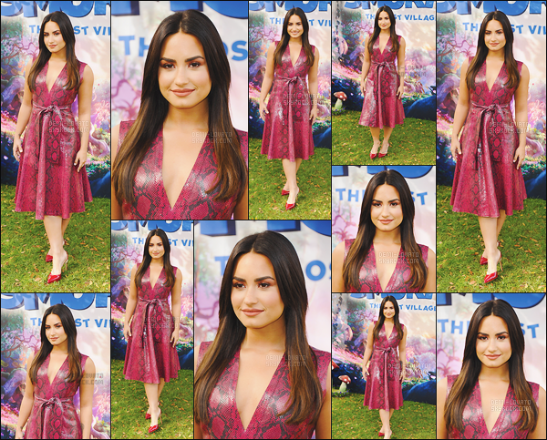 . 18.01.17 —  Demi Lovato lors de la conférence de presse de « Schtroumpfs: Le Village Perdue. » à Los Angeles !  C'est donc notre sublime chanteuse qui prête sa voix auprès de la schtroumpfette ! Demi est vraiment ravissante dans cette robe, j'adore. .
