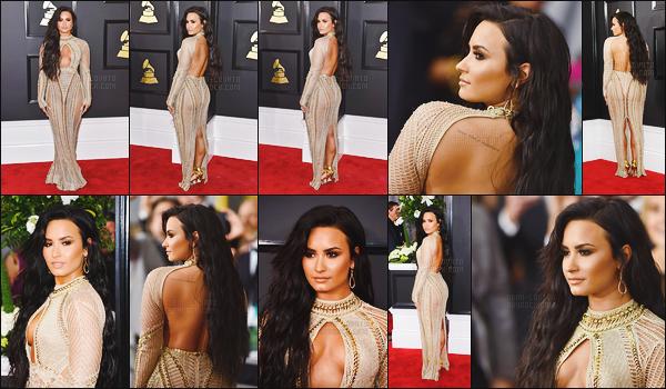 . 12.02.17 —  Demi Lovato était présente sur les tapis des « 59e cérémonie des Grammy Awards » à Los Angeles !  Demi était sur scène pour chanter staying alive, chanson des BeeGees. J'adore sa robe, je n'ai pas de mot pour la décrire elle est parfaite. .