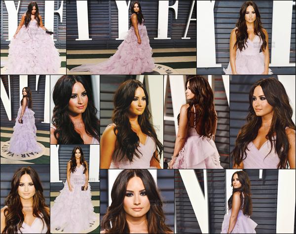 . 26.02.17 —  Demi Lovato était présente sur les tapis de la soirée des Oscars organisé par « Vanity fair  » à LA !   Miss Demi est vraiment sublime sur ces photos, elle portait une magnifique robe de princesse que j'aime énormément. Qu'en penses-tu ? .
