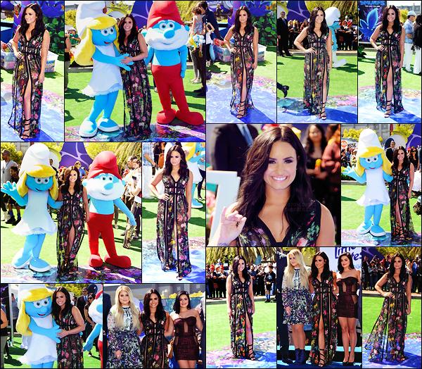 . 01.04.17 — Demi Lovato était présente à l'avant première du film « Schtroumpfs: Le Village Perdue. » - à LA !  Notre belle est en pleine promo pour avoir fait la voix de la stroumphette. J'aime sa robe, elle est trop mignonne. Un top, qu'en penses-tu ? .