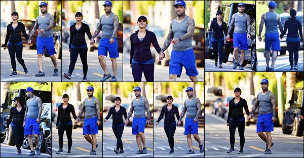 . 08.04.17 —  Demi Lovato a été repéré alors qu'elle est en compagnie de son petit ami dans les rues d'Hollywood ! D. passe du bon temps avec son chéri, ça fait plaisir de la voir heureuse. Je n'ai pas d'avis personnelle sur la tenue de sport qu'elle porte.  .