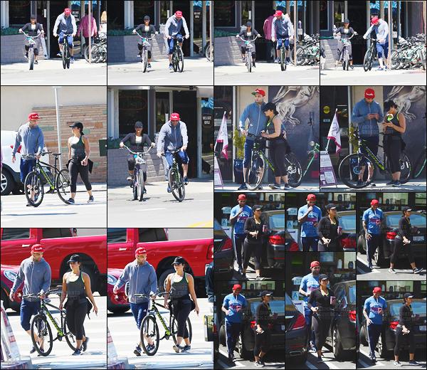 . 09.04.17 —  Demi Lovato et Guilherme ont été repérée alors qu'ils faisaient du vélo, toujours dans la ville de LA ! C'est le lendemain qu'on retrouve nos deux amoureux faisant leur sport, ils sont trop mignon ! Toujours pas d'avis sur sa tenue de sport. .