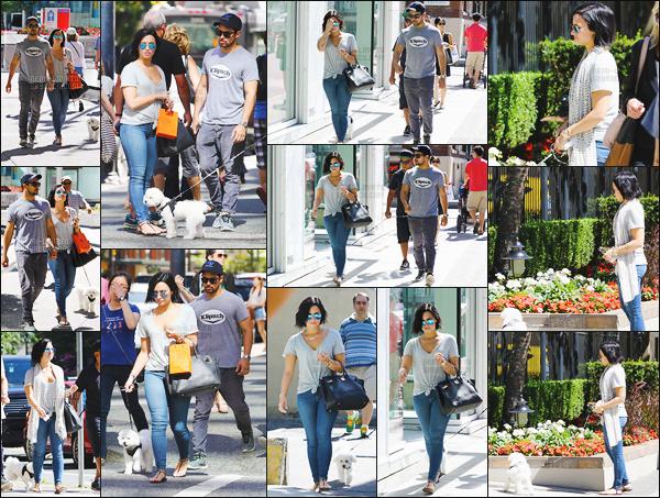 -  19.07.15 —  Demi Lovato a été vue avec Wilmer, toujours dans les rues de Vancouver, au Canada !  .