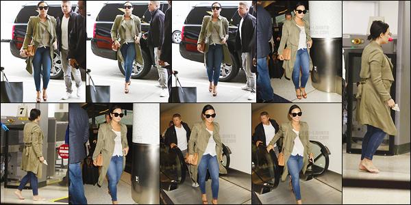 - 15.06.16 — Miss Demi Lovato a été repérer alors qu'elle était à l'aéroport international de « LAX » à Los Angeles !     La chanteuse était à l'aéroport LAX de Los Angeles pour prendre un vol direction New York où elle avait plusieurs apparitions dans les jours suivants. Top! -
