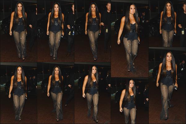 - -• 12.11.17- : C'est après la cérémonie que Demi Lovato a été photographiée en dehors de son hôtel toujours à Londres !    Demi est toujours vêtue de la même tenue de scène ou elle a chanté les titres Sorry Not Sorry et Telle me you love me. J'aime bien ce qu'elle porte, top. -