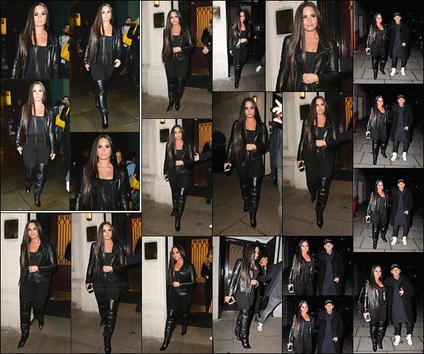 - -• 14.11.17- : Demi Lovato a été repéré alors qu'elle arrivait au stade de  « Wembley » situant à Londres, Royaume Unis !    La mêmé soirée, notre belle chanteuse était en compagnie du footballeur Neymar sortant du club des Ambassadeurs. Tenue très sombre pour ma Demi.  -