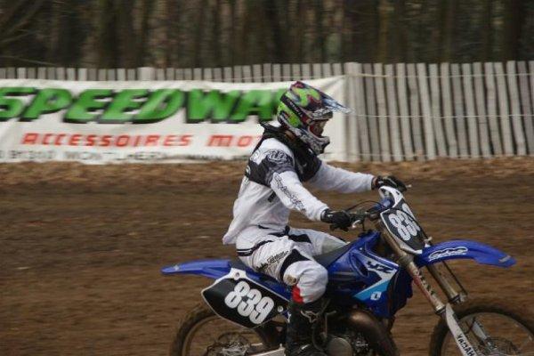 et Voici mon pote Maxence Mora un ptn de mec un merveilleux motard !! =)