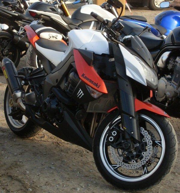 ^^  des super belle cylindrée et super Kawasaki ^^