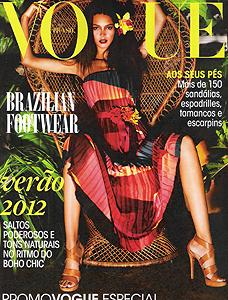 """VOGUE BRÉSIL """"CHAUSSURES"""" JUILLET 2011"""
